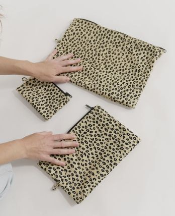 Leopard Patterns Pouches & Cosmetic Bags
