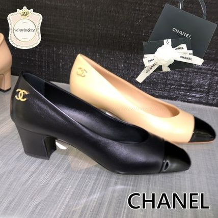 CHANEL Leather Elegant Style Logo Pumps & Mules
