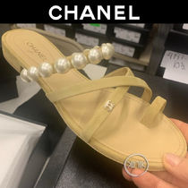 CHANEL Open Toe Casual Style Suede Blended Fabrics Bi-color Plain
