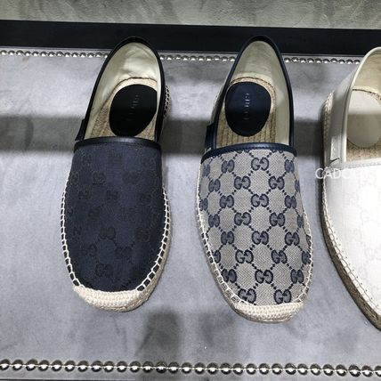 GUCCI Flipflop Logo Leather Loafers & Slip-ons