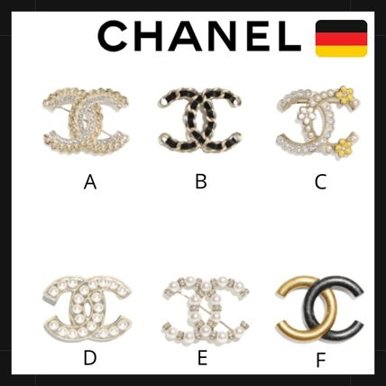 CHANEL Logo Metal Watches & Jewelry