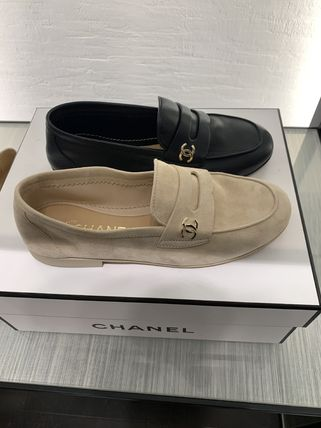 CHANEL Loafer & Moccasin Shoes