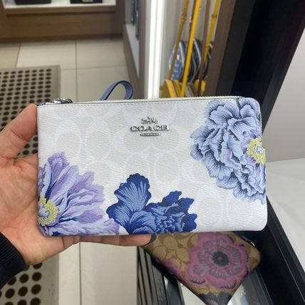 Coach Flower Patterns Leather PVC Clothing Pouches & Cosmetic Bags