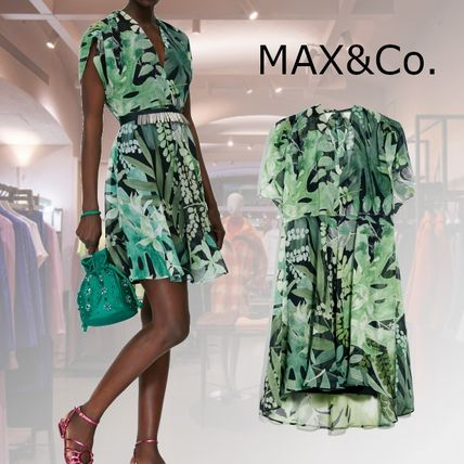 Max&Co. Short Silk Flared V-Neck Short Sleeves Party Style