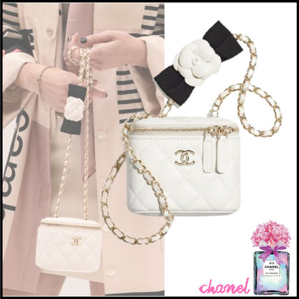 CHANEL MATELASSE Small Vanity With Chain