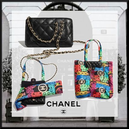 CHANEL Chain Shoppers