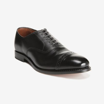 Straight Tip Plain Leather Logo Oxfords
