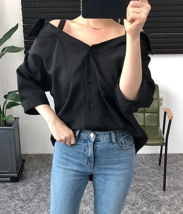 Puff Sleeves Off the Shoulder