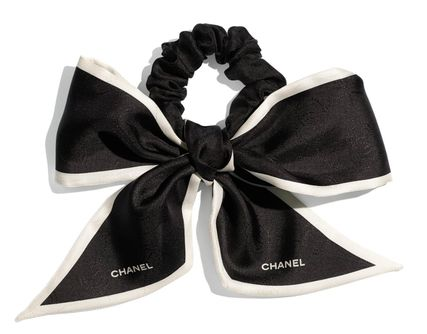 CHANEL Formal Style  Bridal Scrunchy Party Style Office Style