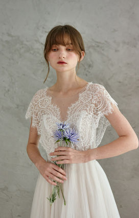 V-Neck Long Short Sleeves Lace Bridal Wedding Dresses