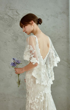 Flower Patterns V-Neck Long Short Sleeves Lace Bridal