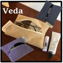 VEDA Unisex Street Style Logo Pouches & Cosmetic Bags