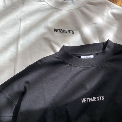 VETEMENTS Unisex Street Style Short Sleeves Oversized Logo T-Shirts