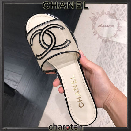 CHANEL ICON Open Toe Casual Style Blended Fabrics Bi-color Plain Leather