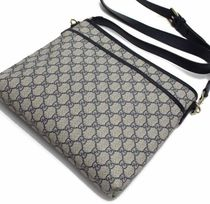 GUCCI Casual Style Canvas Shoulder Bags
