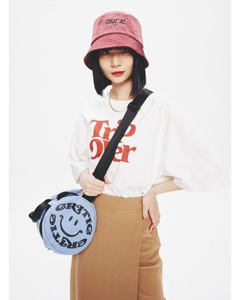 CRITIC More T-Shirts Unisex Street Style T-Shirts 3