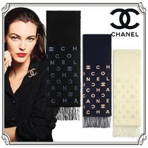CHANEL Stole