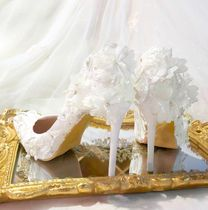 Flower Patterns Lace With Jewels Bridal Shoes