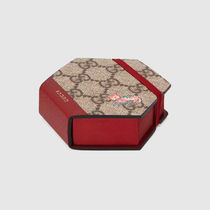 GUCCI GG Supreme Hexagon sticky notes with cat