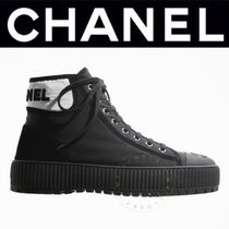 CHANEL ICON Platform Plain Toe Casual Style Suede Blended Fabrics